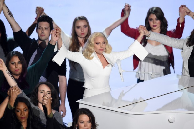 lady-gaga-2016-academy-awards-show-photos-81-620x413.jpg